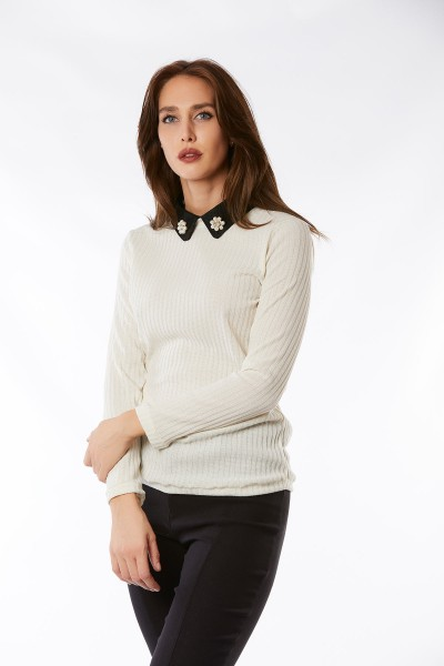 Sweater Trojer Cuello Bordado